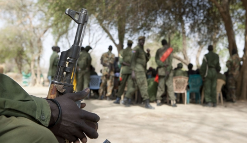 South Sudan, Warrab. An ICRC information session on the Law of Armed Conflict with soldiers from Warrab State.