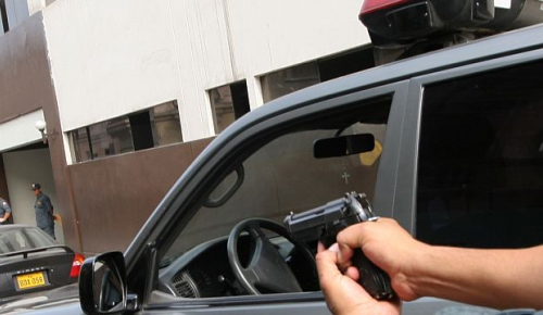 Peru, Lima. Training exercise on the use of force and human rights. Simulation of the arrest of a suspect in the street